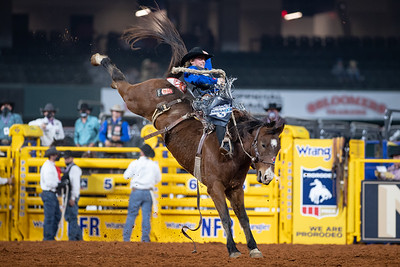 2020NFR_R08_SB_Ryder Wright_AmericanHat'sPositiveTimes_Stangle-4819