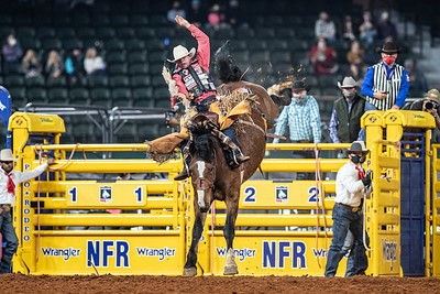 2020NFR_R08_SB_Brody Cress_MissEllie_Stangle-4802