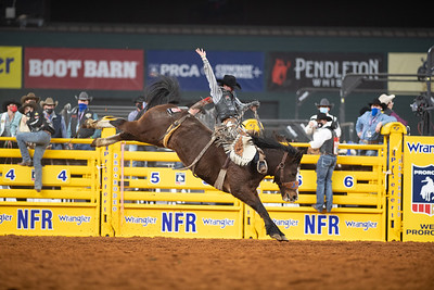 2020NFR_R02_SB_Chase Brooks_HellOnHooves_Stangle-6430