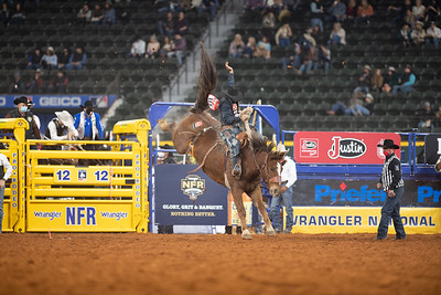 2020NFR_R02_SB_Chase Brooks_HellOnHooves_Stangle-6439