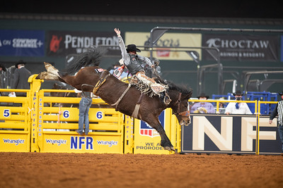 2020NFR_R02_SB_Chase Brooks_HellOnHooves_Stangle-6431