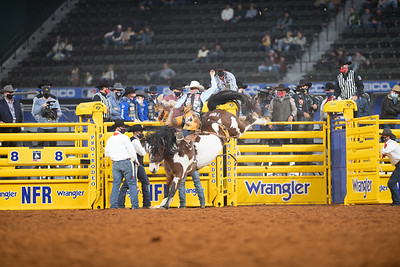 2020NFR_R02_SB_Brody Cress_ResistolsTopHat_Stangle-6517