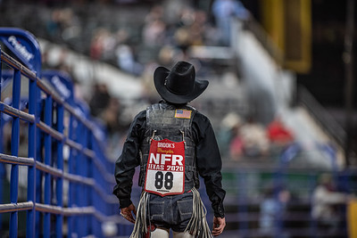 2020NFR_R06_SB_Chase Brooks_LunaticParty_Stangle-0624