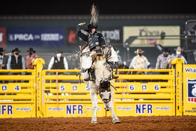 2020NFR_R06_SB_Chase Brooks_LunaticParty_Stangle-0606