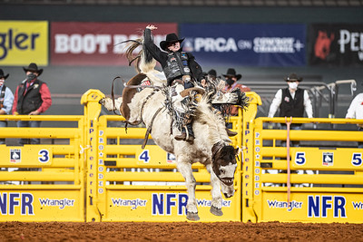 2020NFR_R06_SB_Chase Brooks_LunaticParty_Stangle-0603
