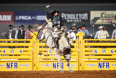 2020NFR_R06_SB_Chase Brooks_LunaticParty_Stangle-0605