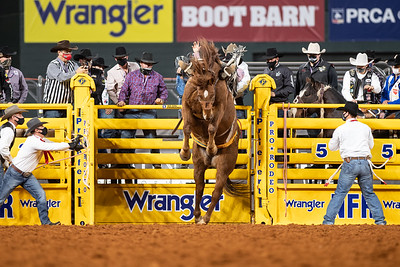 2020NFR_R07_SB_Chase Brooks_Crossfire_Stangle-2770