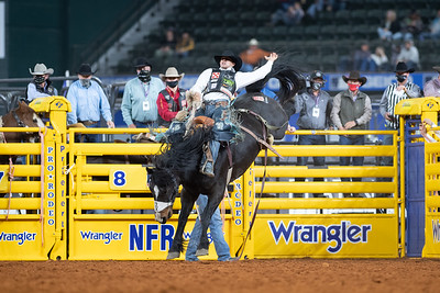 2020NFR_R07_SB_Isaac Diaz_Marquee_Stangle-2848