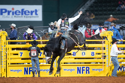 2020NFR_R07_SB_Isaac Diaz_Marquee_Stangle-2849