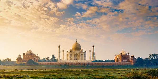 Taj across yamuna