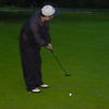 nga_ww003_statetzny_putts_on_putting_green_060301