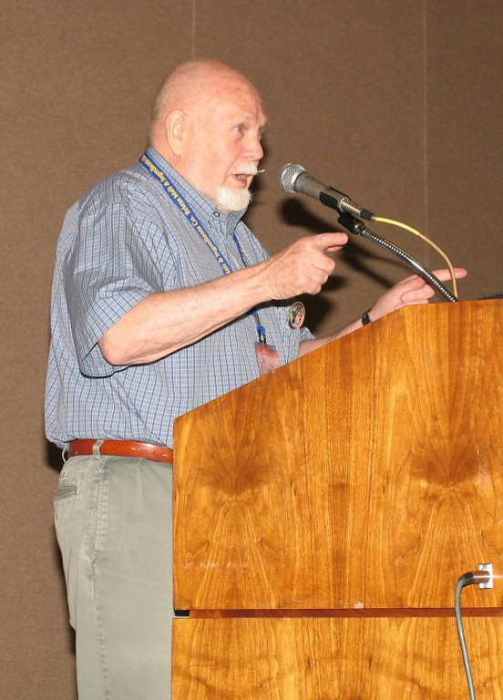 Fred Eckhardt leads a sing along...