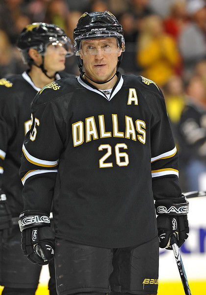Dec 31st, 2009:  <br /> Dallas Stars right wing Jere Lehtinen #26 in a game between the Anaheim Ducks and the Dallas Stars at the AAC in Dallas, Texas.<br /> Stars win 5-3