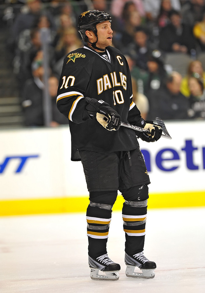 Dec 31st, 2009:  <br /> Dallas Stars left wing Brenden Morrow #10<br /> in a game between the Anaheim Ducks and the Dallas Stars at the AAC in Dallas, Texas.<br /> Stars win 5-3