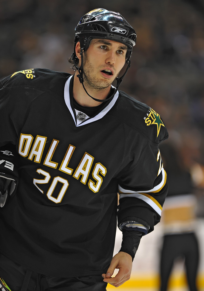 Dec 31st, 2009:  <br /> Dallas Stars center Brian Sutherby #20<br /> in a game between the Anaheim Ducks and the Dallas Stars at the AAC in Dallas, Texas.<br /> Stars win 5-3