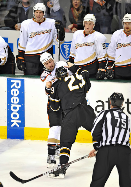 Dec 31st, 2009:  <br /> Anaheim Ducks center Kyle Chipchura #28 & Dallas Stars center Steve Ott #29 get into a fight in a game between the Anaheim Ducks and the Dallas Stars at the AAC in Dallas, Texas.<br /> Stars win 5-3