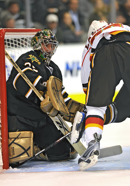November 4th, 2009:  <br /> Dallas Stars goalie Marty Turco (35) & Calgary Flames center Daymond Langkow (22) in action during a game between the Calgary Flames and the Dallas Stars at the AAC in Dallas, Texas.  <br /> Calgary beats Dallas in OT 3-2