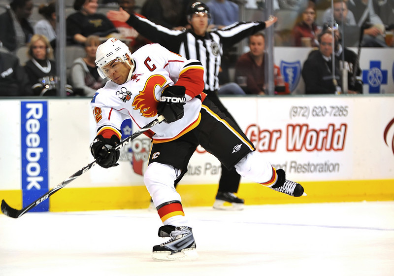 November 4th, 2009:  <br /> Calgary Flames right wing Jarome Iginla (12) in action during a game between the Calgary Flames and the Dallas Stars at the AAC in Dallas, Texas.  <br /> Calgary beats Dallas in OT 3-2