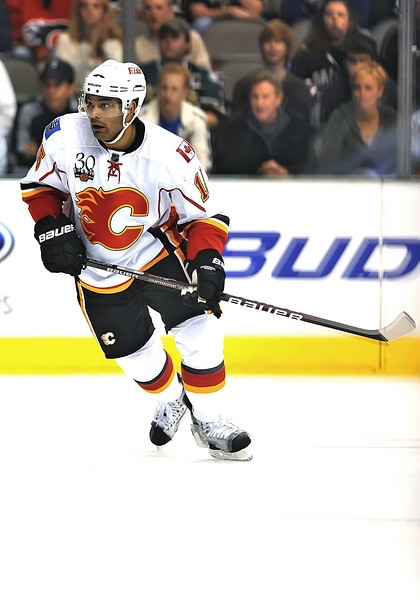 November 4th, 2009:  <br /> Calgary Flames left wing Nigel Dawes (15)<br /> in action during a game between the Calgary Flames and the Dallas Stars at the AAC in Dallas, Texas.  <br /> Calgary beats Dallas in OT 3-2