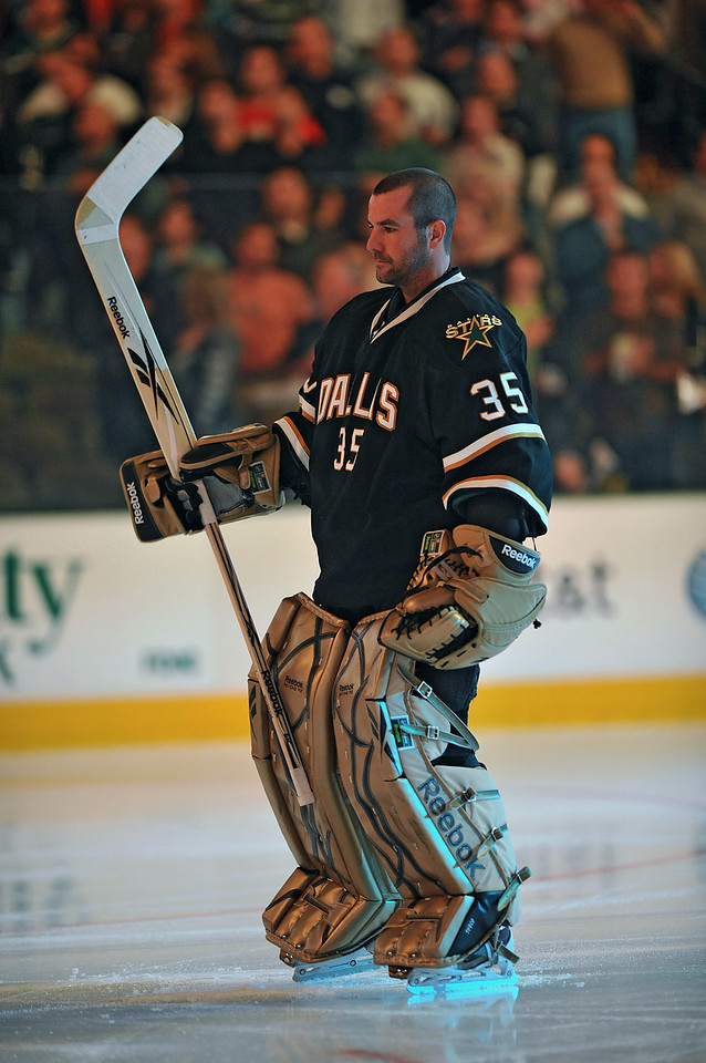 November 4th, 2009:  <br /> Dallas Stars goalie Marty Turco (35) warms up before a game between the Calgary Flames and the Dallas Stars at the AAC in Dallas, Texas.  <br /> Calgary beats Dallas in OT 3-2