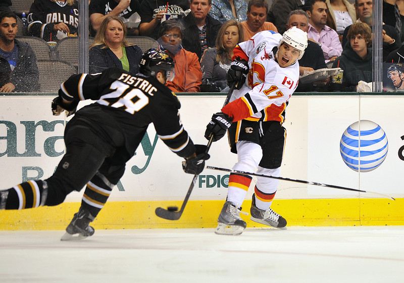 November 4th, 2009:  <br /> Calgary Flames left wing Rene Bourque (17)<br /> in action during a game between the Calgary Flames and the Dallas Stars at the AAC in Dallas, Texas.  <br /> Calgary beats Dallas in OT 3-2