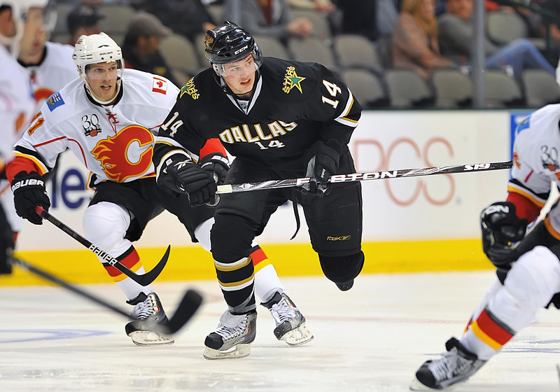 November 4th, 2009:  <br /> Dallas Stars left wing Jamie Benn (14) in action during a game between the Calgary Flames and the Dallas Stars at the AAC in Dallas, Texas.  <br /> Calgary beats Dallas in OT 3-2