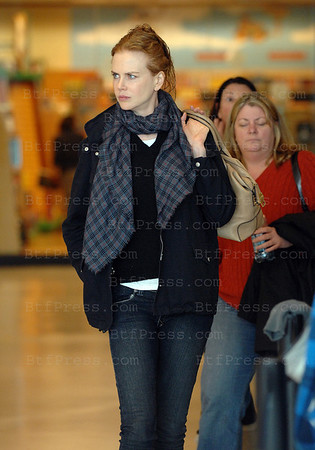 "Nicole Kidman come back home after watching at the movie theatre ""A Single Man"""