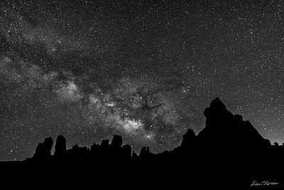 Arches_PT_MilkyWay1_Print_BW