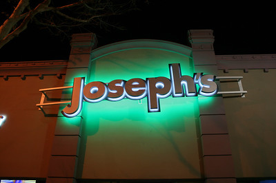 JOSEPH'S BAR & GRILL Featuring THE NIGHT MOVES • 03.19.14
