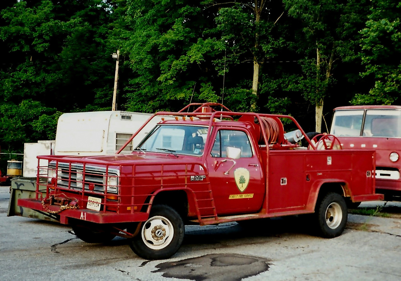 NJ State forest Fire  Service       A1   1987 Dodge  350    250/225