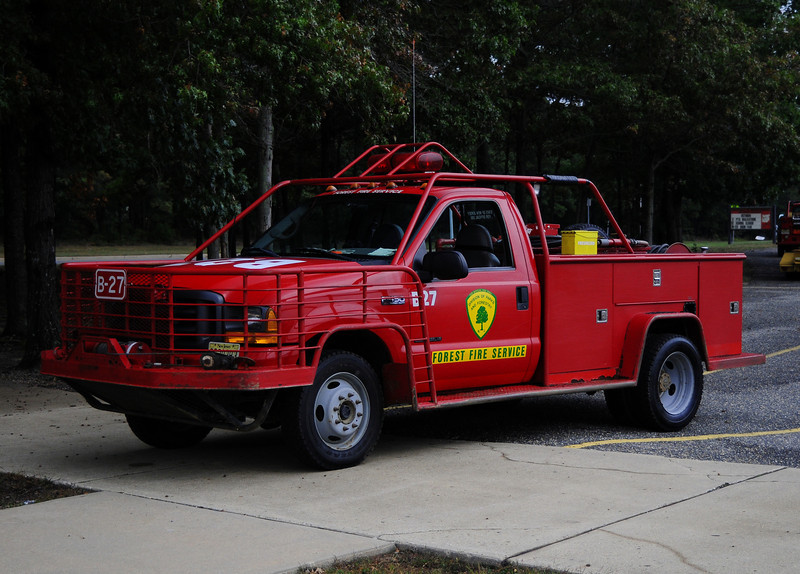 NJ State Forest Fire Service  Engine  B-27  2001 Ford F450  250/250