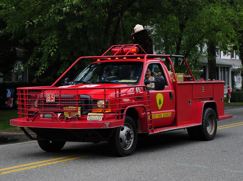 NJ State Forest Fire Service  Engine  B-5 2001 Ford F-450 250/250