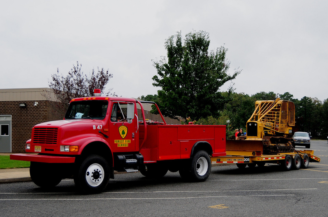 NJ State Forest fire Service  Div B  B-47  1993 International 4X4 250/500 with 1980 John Deere 350 Dozer Plow