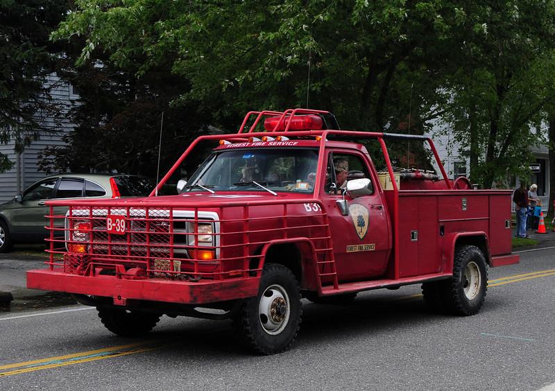NJ State Forest Fire Service  Engine  B-39 1990 Dodge  250/250