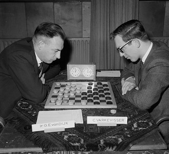 Van Dijk (links) en Varkevisser