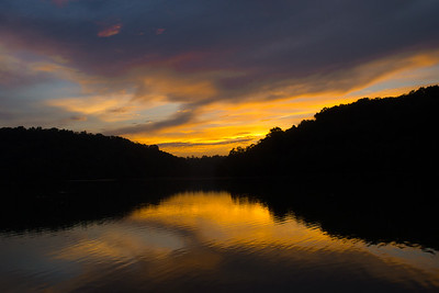 Sunset at Doe Run Lake near Independence KY