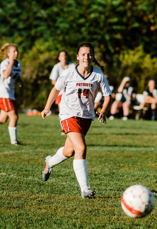 . North Middlesex\'s Rachel Drahusz in action during the game against Quabbin on Wednesday, September 27, 2017. SENTINEL & ENTERPRISE / Ashley Green
