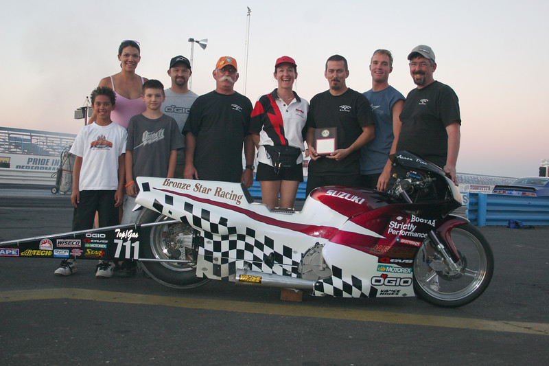 """TOP GAS - WINNER: AARON PINE / BRONZE STAR RACING  .028  8.249 @ 160 MPH  <div class=""""ss-paypal-button""""><div class=""""ss-paypal-button""""><div class=""""fancy-paypal-box""""> <div class=""""left-side""""> <div class=""""ss-paypal-add-to-cart-section""""><div class=""""ss-paypal-product-options""""> <h4>PRICES inc. Ship/Hand:</h4> <ul> <li><a href=""""https://www.paypal.com/cgi-bin/webscr?cmd=_cart&amp;business=BZRZ3VMEMKS5E&amp;lc=US&amp;item_name=IMG_9772.jpg&amp;item_number=http%3A%2F%2Fwww.hooliganunderground.com%2FCars%2FBURBANK-BeBOPPIN-IN-THE%2Fi-QKGDgz7&amp;button_subtype=products&amp;no_note=0&amp;cn=Add%20special%20instructions%20to%20the%20seller%3A&amp;no_shipping=2&amp;currency_code=USD&amp;tax_rate=9.750&amp;add=1&amp;bn=PP-ShopCartBF%3Abtn_cart_LG.gif%3ANonHosted&amp;on0=PRICES%20inc.%20Ship%2FHand%3A&amp;option_select0=Digital%20for%20web&amp;option_amount0=5.95&amp;option_select1=8.5%20x%2011%22%20glossy&amp;option_amount1=19.95&amp;option_select2=12%20x%2018%22%20lustre&amp;option_amount2=49.95&amp;option_select3=20%20x%2030%22%20lustre&amp;option_amount3=69.95&amp;option_index=0&amp;submit=&amp;os0=Digital%20for%20web"""" target=""""paypal""""><span>Digital for web $ 5.95 USD</span><img src=""""https://www.paypalobjects.com/en_US/i/btn/btn_cart_SM.gif""""></a></li> <li><a href=""""https://www.paypal.com/cgi-bin/webscr?cmd=_cart&amp;business=BZRZ3VMEMKS5E&amp;lc=US&amp;item_name=IMG_9772.jpg&amp;item_number=http%3A%2F%2Fwww.hooliganunderground.com%2FCars%2FBURBANK-BeBOPPIN-IN-THE%2Fi-QKGDgz7&amp;button_subtype=products&amp;no_note=0&amp;cn=Add%20special%20instructions%20to%20the%20seller%3A&amp;no_shipping=2&amp;currency_code=USD&amp;tax_rate=9.750&amp;add=1&amp;bn=PP-ShopCartBF%3Abtn_cart_LG.gif%3ANonHosted&amp;on0=PRICES%20inc.%20Ship%2FHand%3A&amp;option_select0=Digital%20for%20web&amp;option_amount0=5.95&amp;option_select1=8.5%20x%2011%22%20glossy&amp;option_amount1=19.95&amp;option_select2=12%20x%2018%22%20lustre&amp;option_amount2=49.95&amp;option_select3=20%20x%2030%22%20lustre&amp;option_a"""