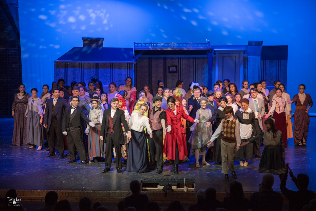 Mary Poppins NNHS Thu LR-1556
