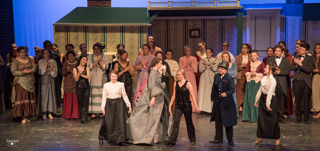 Mary Poppins NNHS Thu LR-1527