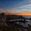 Crépuscule sur la côte ouessantine, au phare du Créac'h.