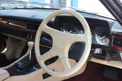 Steering wheel before retrim