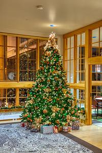 Noelker Hull Christmas Tree-4