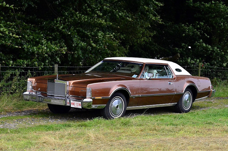 KND 131N LINCOLN CONTINENTAL