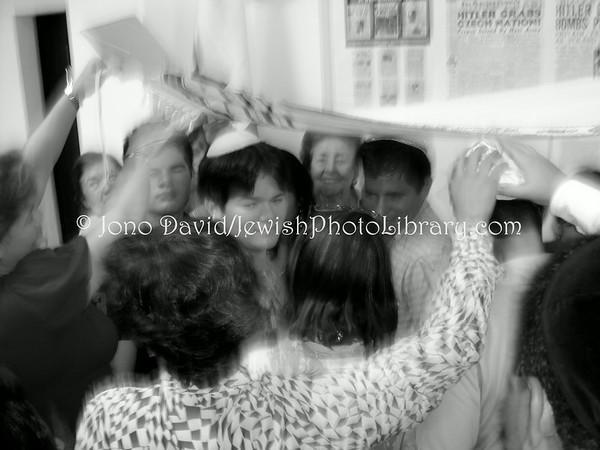 HONDURAS, San Pedro Sula. Community life (on Shabbat) at Maguen David Synagogue. (2008)