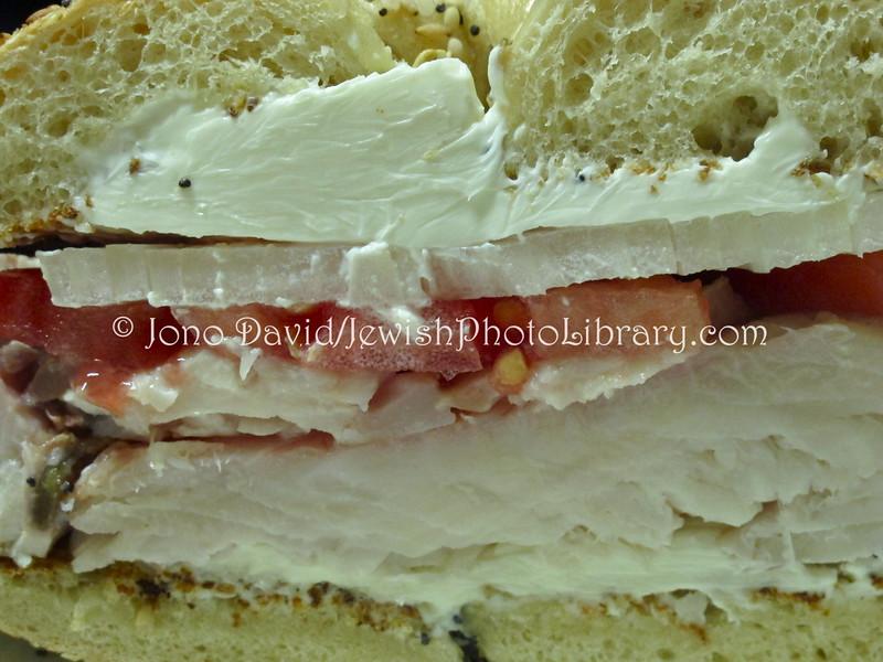 US 5205  White fish on bagel