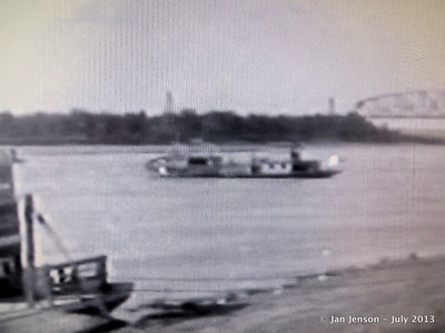 Old paddleboat steamer on Missouri (from video in Carriage House).
