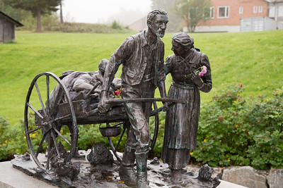 The Norwegian Emigrant Museum /  Norsk Utvandrermuseum, Ottestad 14/09/2014 --- Foto: Jonny Isaksen  Torleif S. Knaphus (1881-1965) A copy of The Handcart Pioneer Monument, located on Temple Square in Salt Lake City, Utah