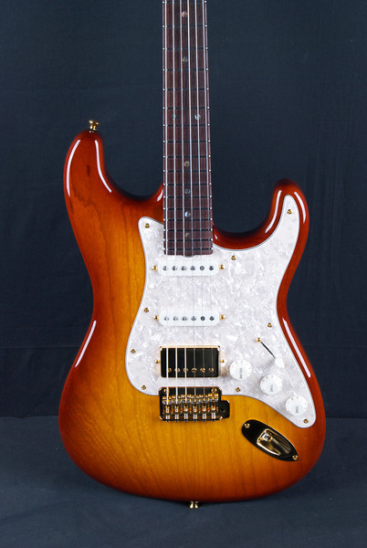 NOS Retro, Honey Burst, SSH Pickups