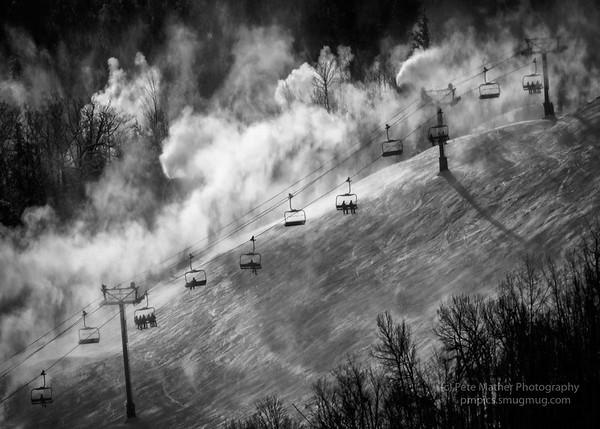 Blue Mt Up Into The Mist2017Ist snowys in flight 2017 Dec-2898-Edit